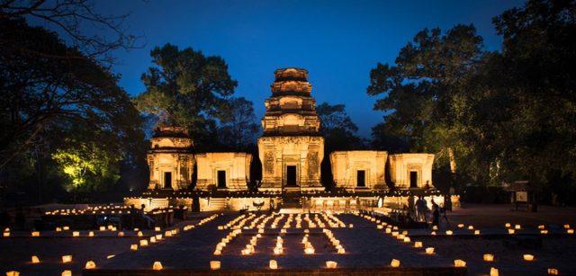 aman-amansara-review-temple-dinner