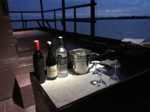 amansara-review-tonle-sap-cruise-bar
