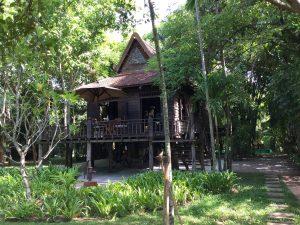 amansara-review-traditional-khmer-breakfast-villa