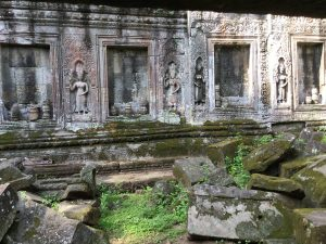 angkor-wat-ta-prohm-perfect-gamer-holiday-carving-ruins
