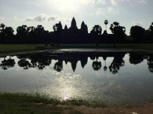 angkor-wat-ta-prohm-perfect-gamer-holiday-front-reflection