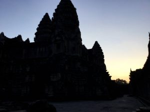 angkor-wat-ta-prohm-perfect-gamer-holiday-sunrise-1