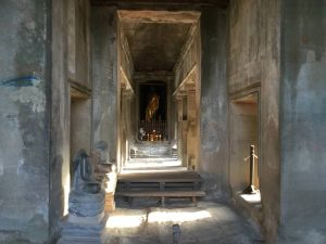 angkor-wat-ta-prohm-perfect-gamer-holiday-sunrise-buddha-beheaded-2