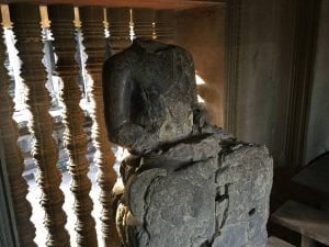 angkor-wat-ta-prohm-perfect-gamer-holiday-sunrise-buddha-beheaded