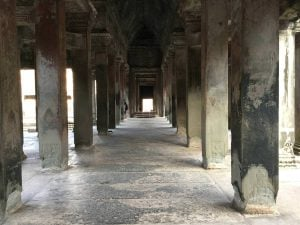 angkor-wat-ta-prohm-perfect-gamer-holiday-sunrise-main-hall
