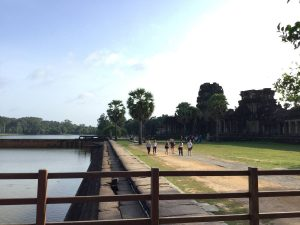 angkor-wat-ta-prohm-perfect-gamer-holiday-sunrise-moat