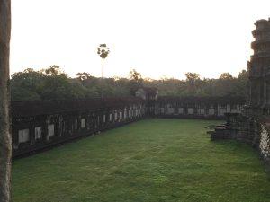 angkor-wat-ta-prohm-perfect-gamer-holiday-sunrise-trees
