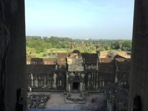 angkor-wat-ta-prohm-perfect-gamer-holiday-sunrise-view-front-entrance