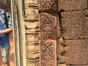 banteay-srei-perfect-gamer-holiday-quality-sandstone