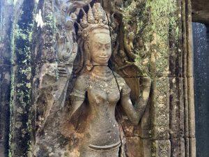 bayon-angkor-thom-perfect-gamer-holiday-apsara