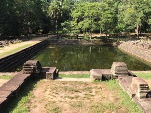 bayon-angkor-thom-perfect-gamer-holiday-baphuon-royal-pool
