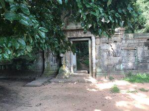 bayon-angkor-thom-perfect-gamer-holiday-baphuon-secret-path