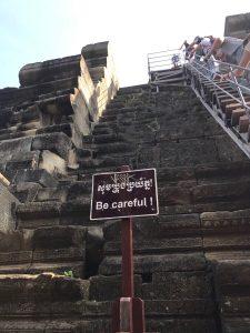 bayon-angkor-thom-perfect-gamer-holiday-baphuon-steep-stairs