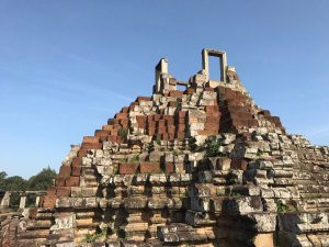bayon-angkor-thom-perfect-gamer-holiday-baphuon-summit