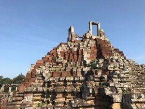 bayon-angkor-thom-perfect-gamer-holiday-baphuon-summit