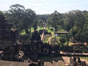 bayon-angkor-thom-perfect-gamer-holiday-baphuon-view