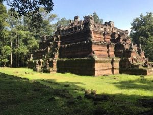 bayon-angkor-thom-perfect-gamer-holiday-phimenacas