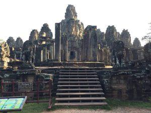 bayon-angkor-thom-perfect-gamer-holiday-steps