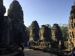 bayon-angkor-thom-perfect-gamer-holiday-towers-south