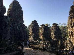 bayon-angkor-thom-perfect-gamer-holiday-towers-south