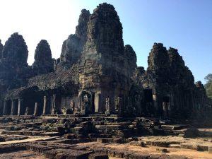 bayon-angkor-thom-perfect-gamer-holiday-uncharted-corner