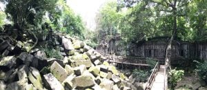 beng-mealea-koh-ker-perfect-gamer-holiday-collapsed-tower-trees