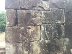 east-of-angkor-perfect-gamer-holiday-bakong-carvings-2