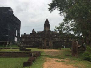 east-of-angkor-perfect-gamer-holiday-bakong-west-side