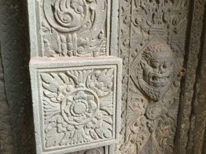 east-of-angkor-perfect-gamer-holiday-preah-ko-blind-door-closeup