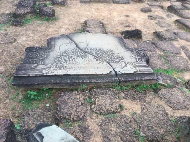 east-of-angkor-perfect-gamer-holiday-preah-ko-moon-stone