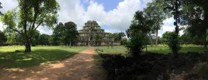 prasat-thom-koh-ker-perfect-gamer-holiday-pyramid-panorama