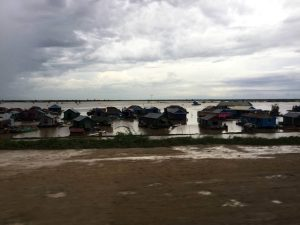 siem-reap-perfect-gamer-holiday-floating-homes