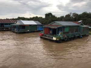 tonle-sap-perfect-gamer-holiday-floating-houses